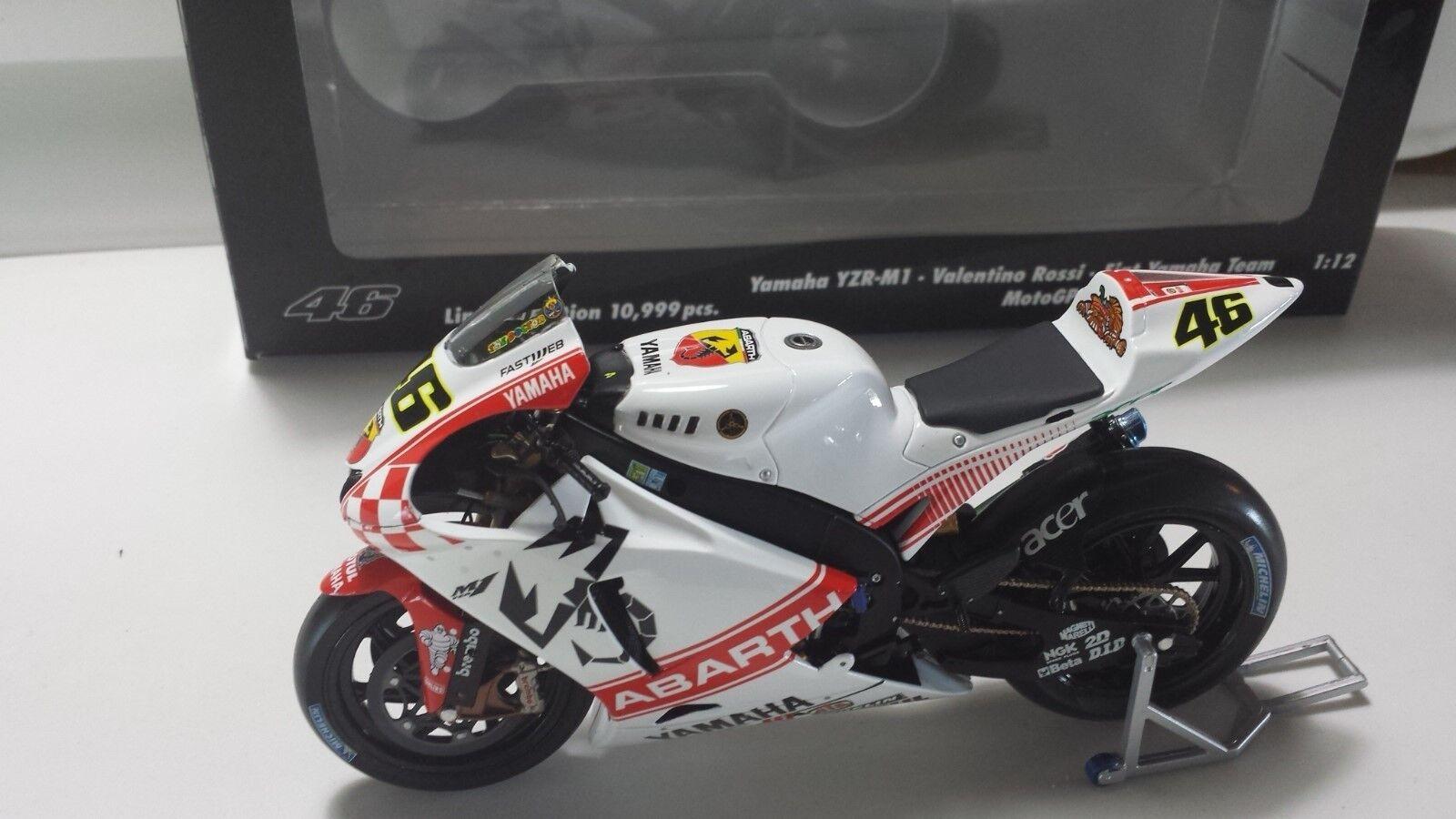 Valentino Rossi. Yamaha YZR-M1. MotoGP 2007. GP Australia. Minichamps 1 12
