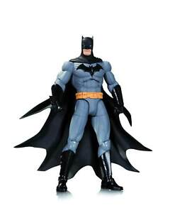 DC-Comics-Designer-Series-1-Capullo-Batman-Action-Figure