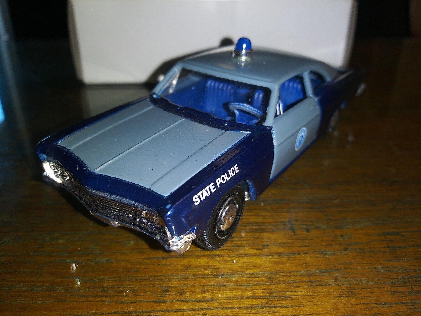 1966 NOS CHEVROLET IMPALA VINTAGE 2 DOOR POLICE CAR Extremely Rare.Diecast 1 43