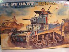 1/35 M3 STUART HONEY academy model kits maquette WWII