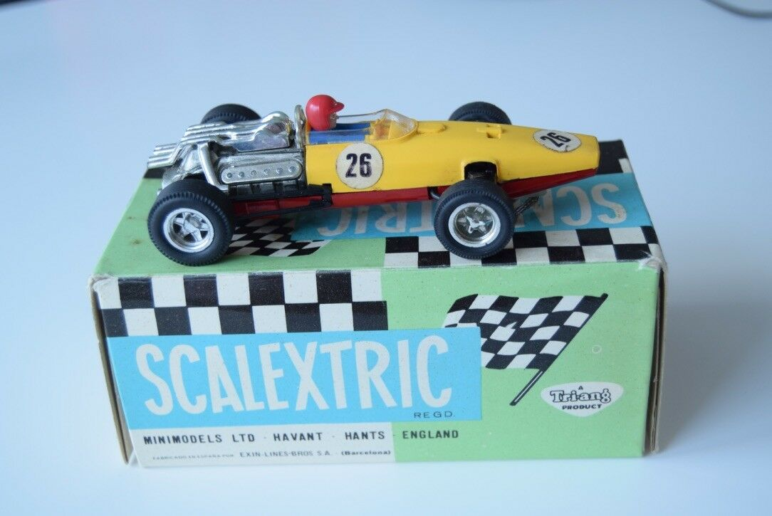 SCALEXTRIC C36 Honda C-36 Slot car in Yellow and Red Original 1968 with box