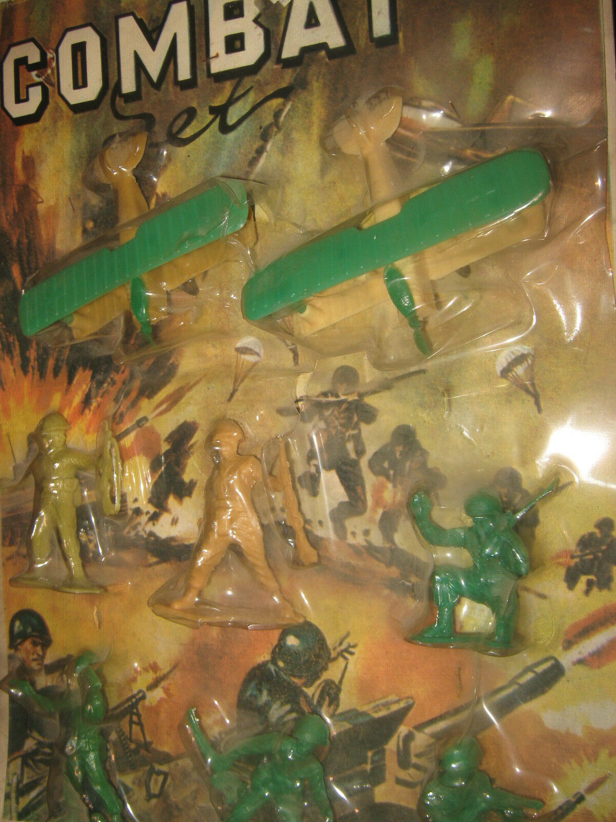 VINTAGE RARE GREEK PLASTIC TOY SOLDIERS - - - COMBAT - SET FROM LATE 70s MOC 3a4129