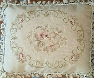 Needlepoint-Pillow-Vintage-Aubusson-French-Country-Floral-Wool-Petit-Point