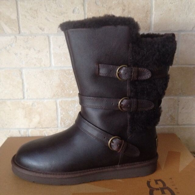 UGG Becket Chocolate Water resistant Leather Sheepskin Short Boots Size 7 Womens