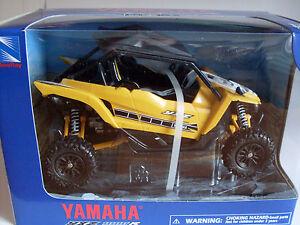 Yamaha-YXZ-1000R-2016-giallo-ATV-Modello-1-12-NewRay-Neu-OVP