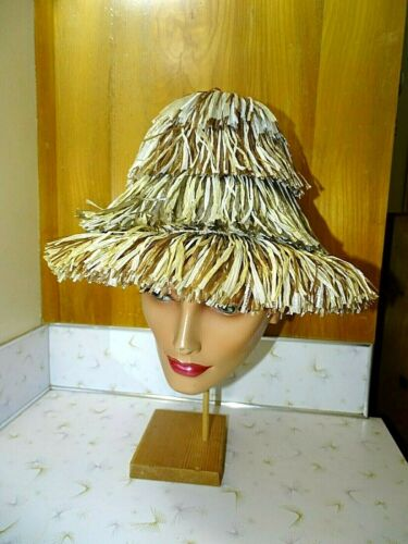 VINTAGE 60s HAPPY CAPPERS RAFFIA  HIGH BUCKET CRO