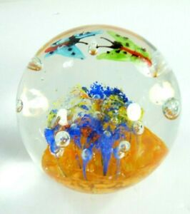 Fifth-Avenue-Crystal-Ltd-Art-Glass-Paperweight-Butterflies-and-Flowers