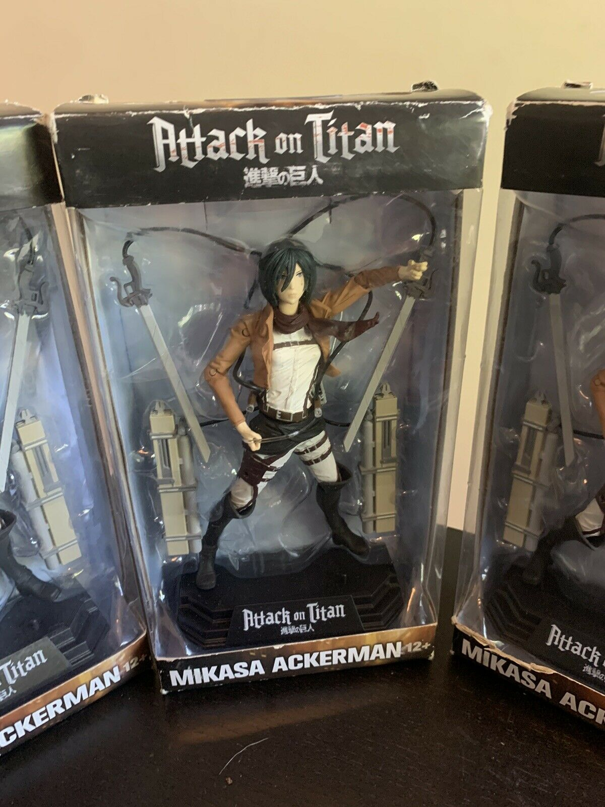 Mikasa Ackerman Boîtier Endommagé Mcfarlane Toys couleur Tops #18 Attack on Titan
