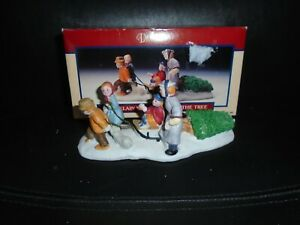 UIB 1992 LEMAX PORCELAIN BRINGING HOME THE TREE VILLAGE ACCESSORY #23053