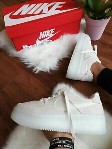 Details about 10.5 WOMEN'S NIKE AF1 SAGE LOW LX WHITE AR5409 001 RUNNING CASUAL SHOES