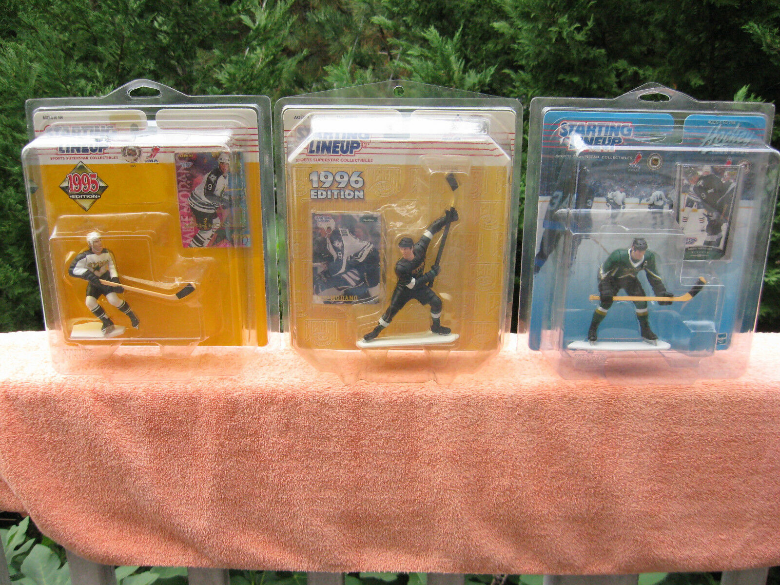 Lot of 3 Starting Lineup NHL Mike Madano Dallas Stars Action FiguresNew