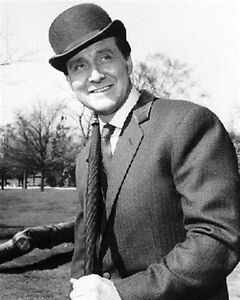PATRICK-MACNEE-AS-JOHN-WICKHAM-GASCONE-BERRE-8X10-PHOTO-cool-pic-173348