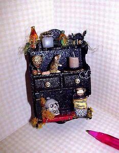 Miniature-Outrageous-Halloween-Shelf-Colorful-2-DOLLHOUSE-Miniatures-1-12