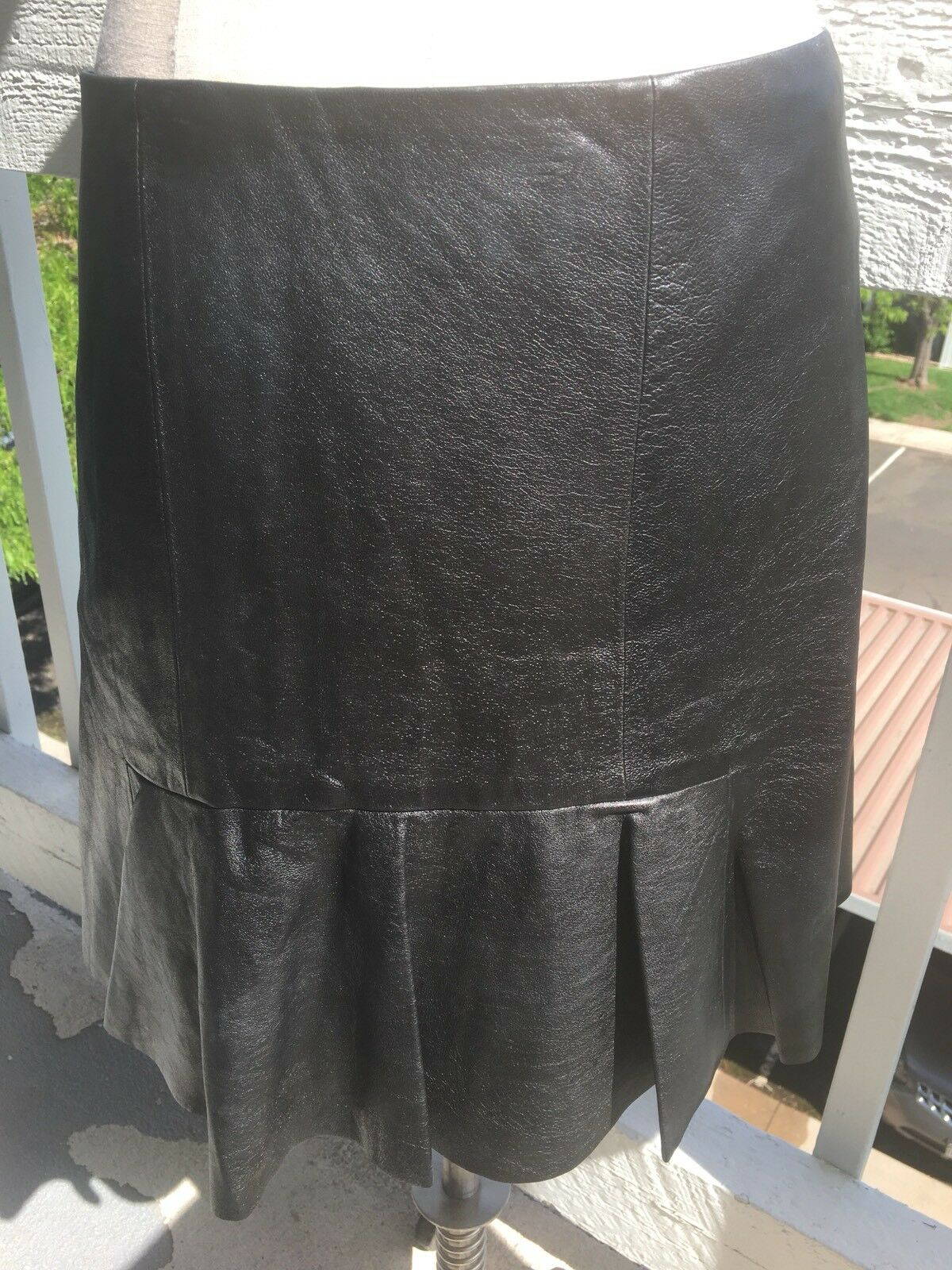 DKNY 100% LAMB LEATHER SKIRT SIZE 10