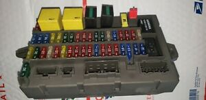 97 land rover discovery fuse box 99 04 land rover discovery under dash fuse box relay panel oem  under dash fuse box relay panel oem