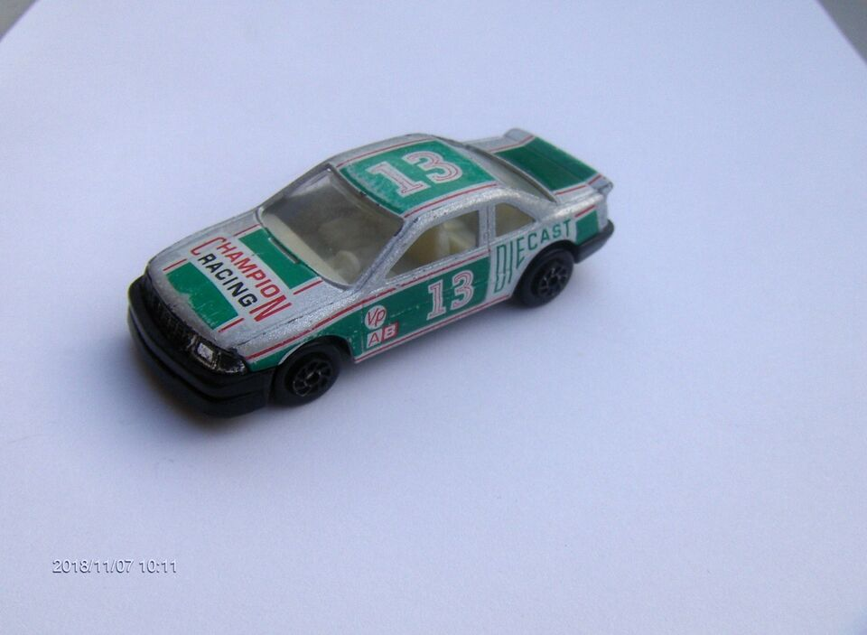 MODELBIL - CHEVROLET LUMINA - CHAMPION RACING, Diecast