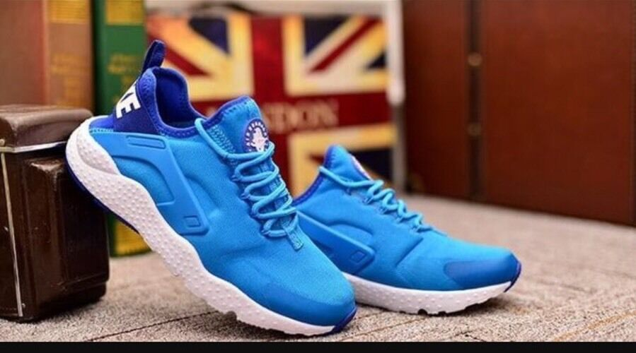 W NIKE AIR HUARACHE RUN ULTRA   SZ: WMNS 6 (819151 400)