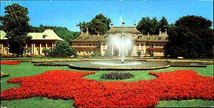 DDR-Breitbild-AK-DRESDEN-Region-Schloss-PILINTZ-color-Panorama-Postkarte