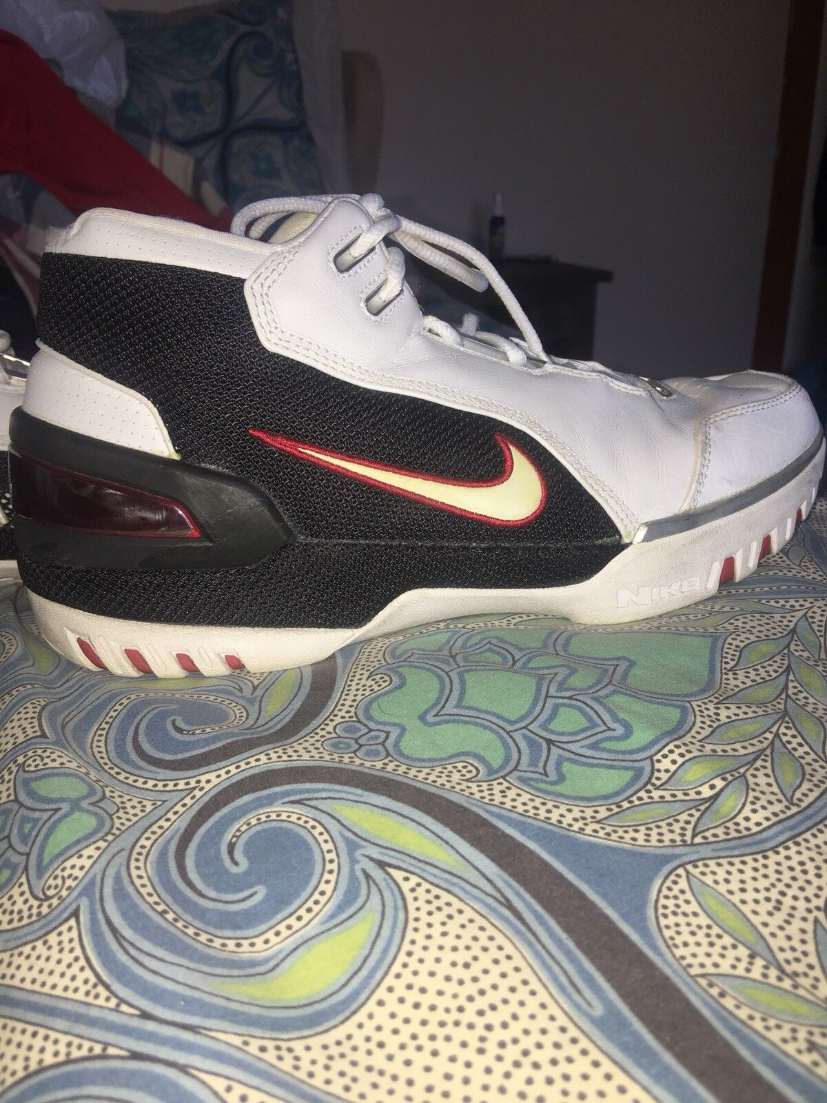 Nike lebron air zoom generation  AZG OG White Size 9.5 original 2003 release
