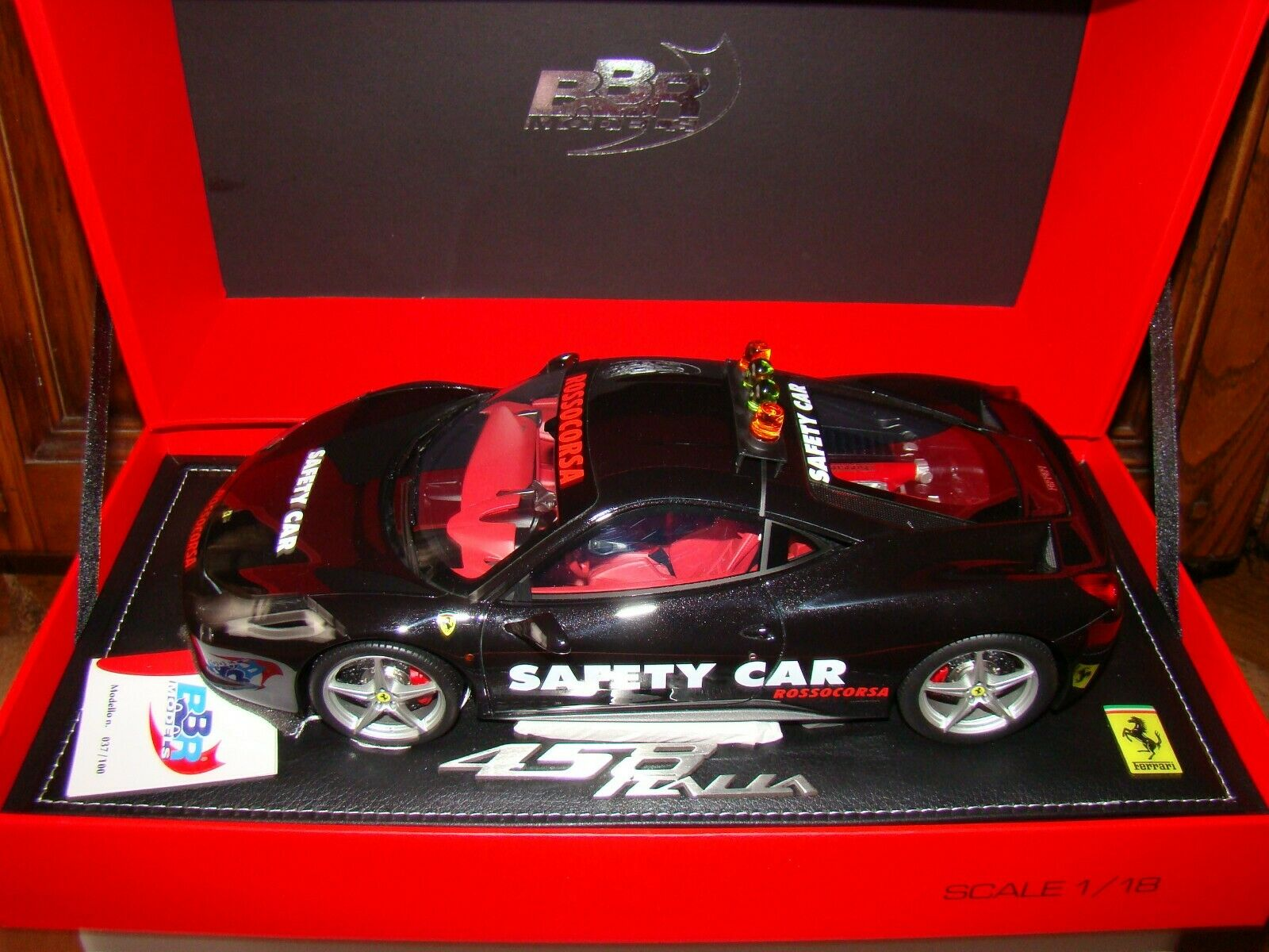 FERRARI 458 ITALIA   SAFETY CAR nero BRILLANT   BBR  1 18 EME   LIMITED EDITION