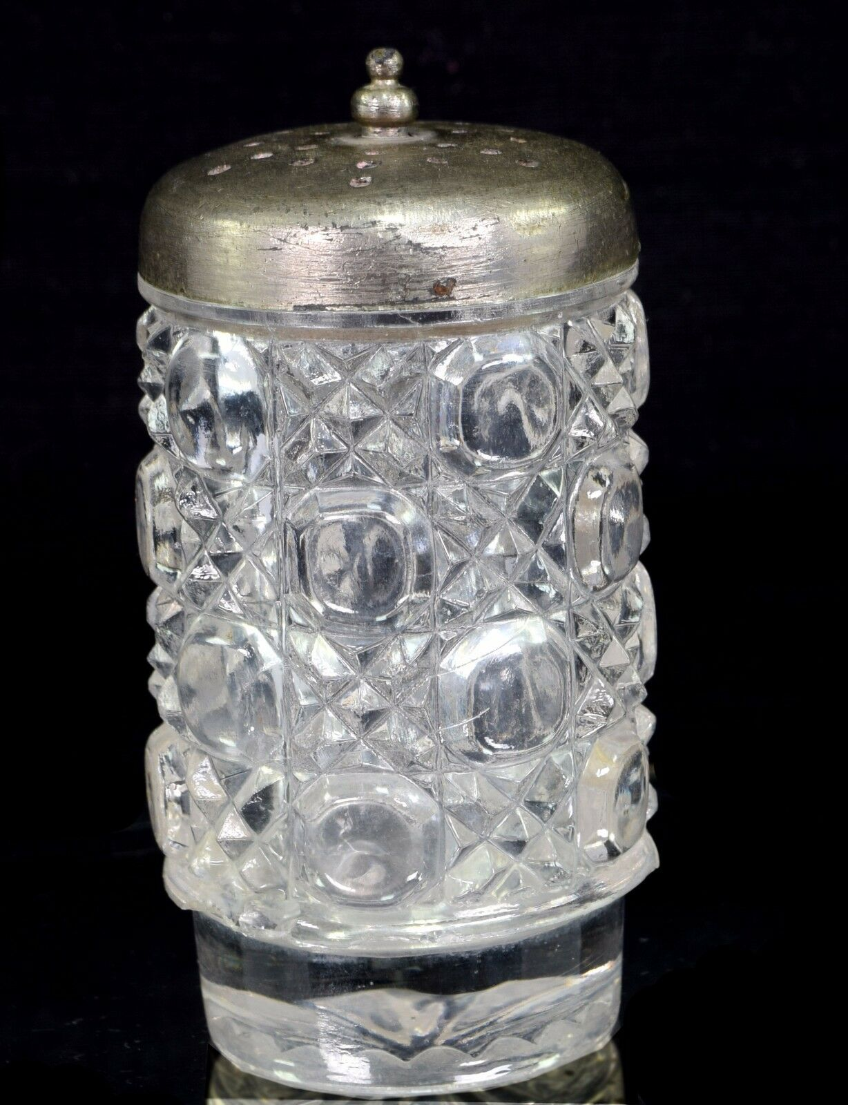Beautiful Collectible Beautiful Cut Glass Salt   Pepper Container. G16-134 US