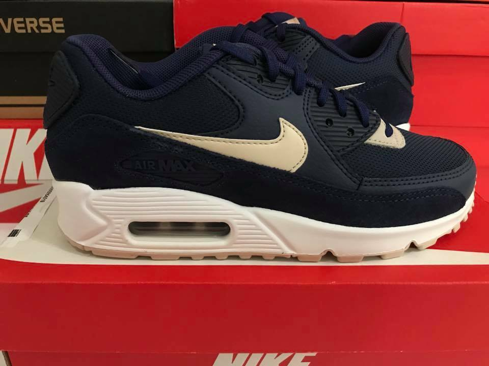 Women's Nike Air Max 90 Size 6