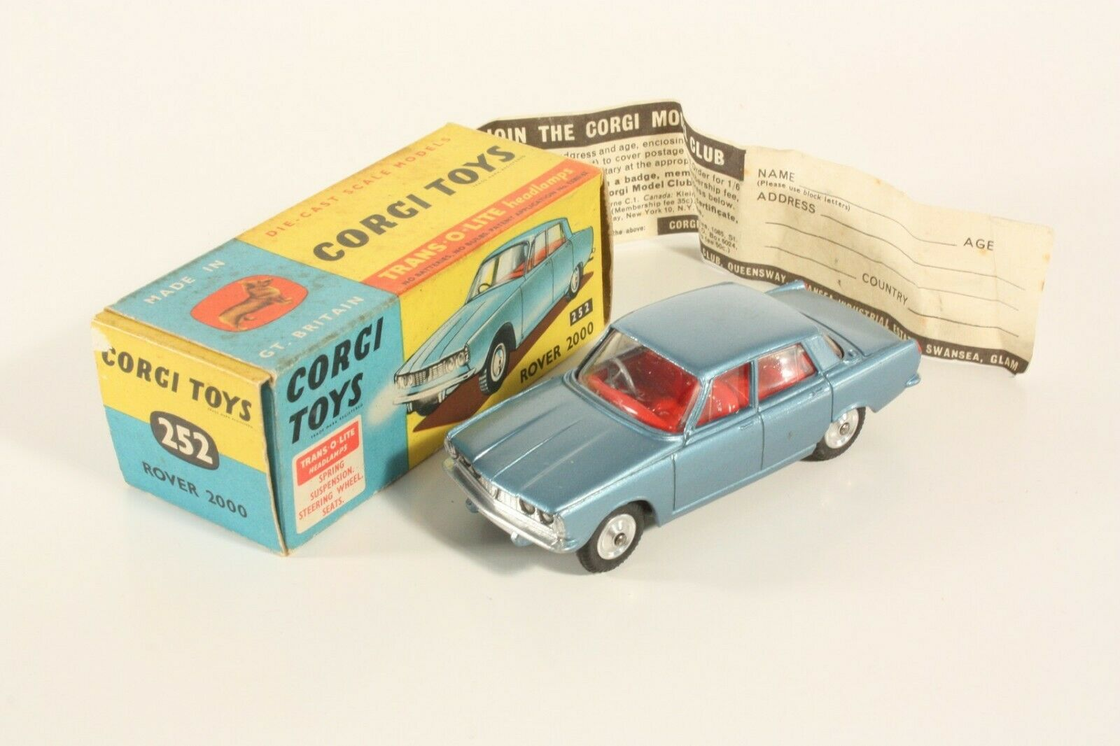 Corgi Toys 252, Rover 2000, Mint in Box  ab2255