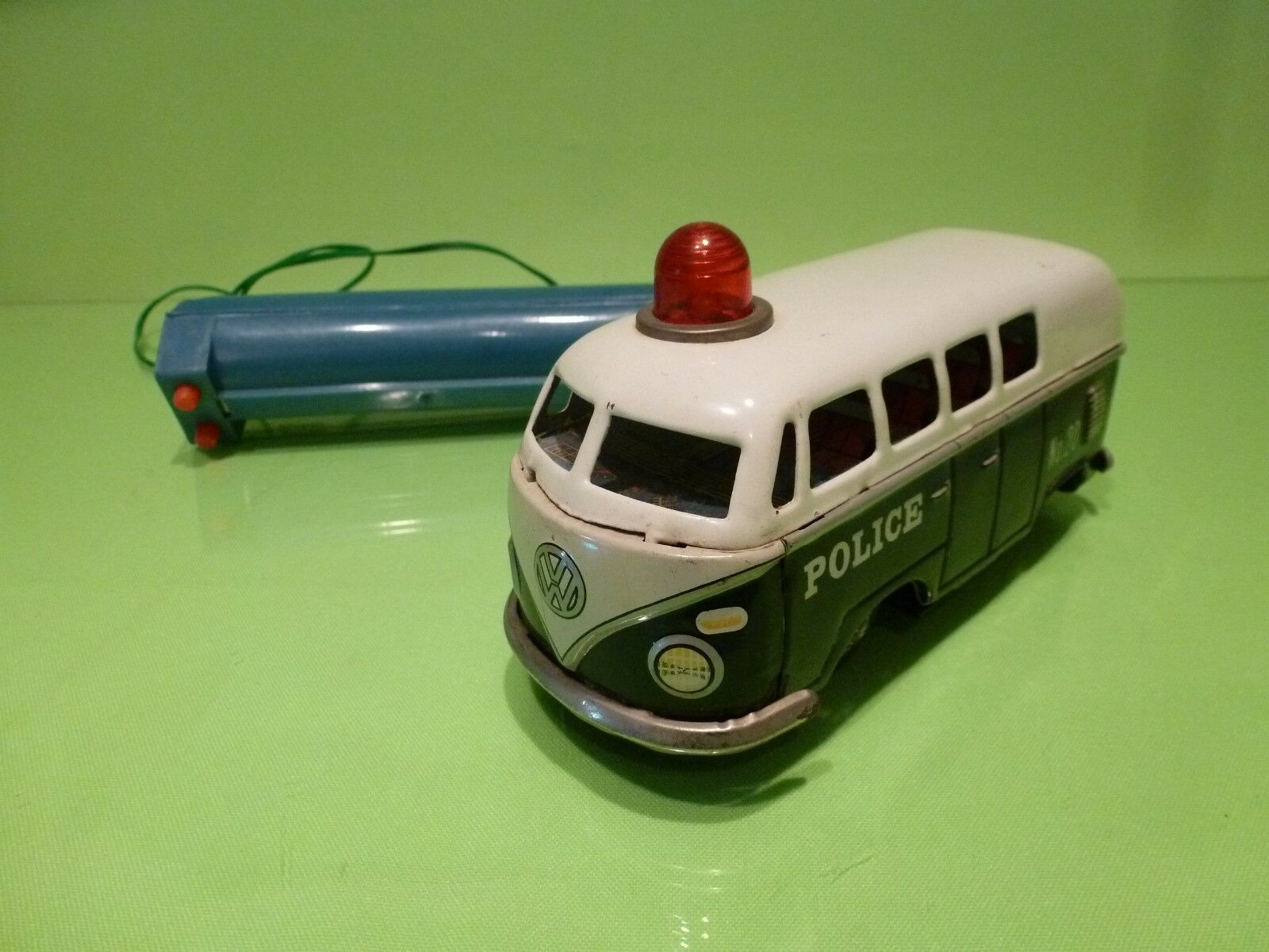 OKYASU VOLKSWAGEN T1 BUS   - TIN TOY JAPAN - EXTREMELY RARE  - GOOD CONDITION