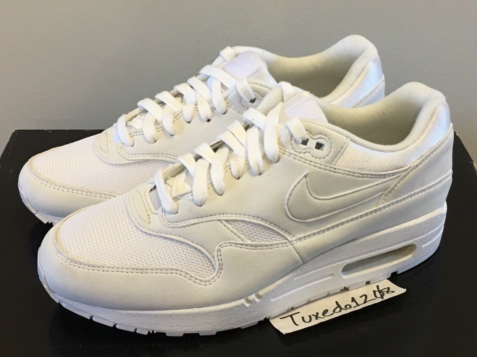 New  Women's Nike Air Max 1 sz8 Triple White Suede 90 95 97 trainer 319986 108