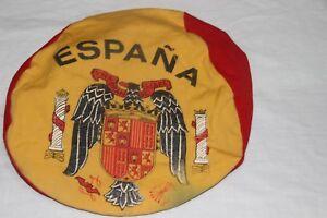 GORRA-DE-FUTBOL-ANTIQUISIMA-DE-LA-SELECCION-DE-ESPANA-CON-EL-ESCUDO-DEL-AGUILA