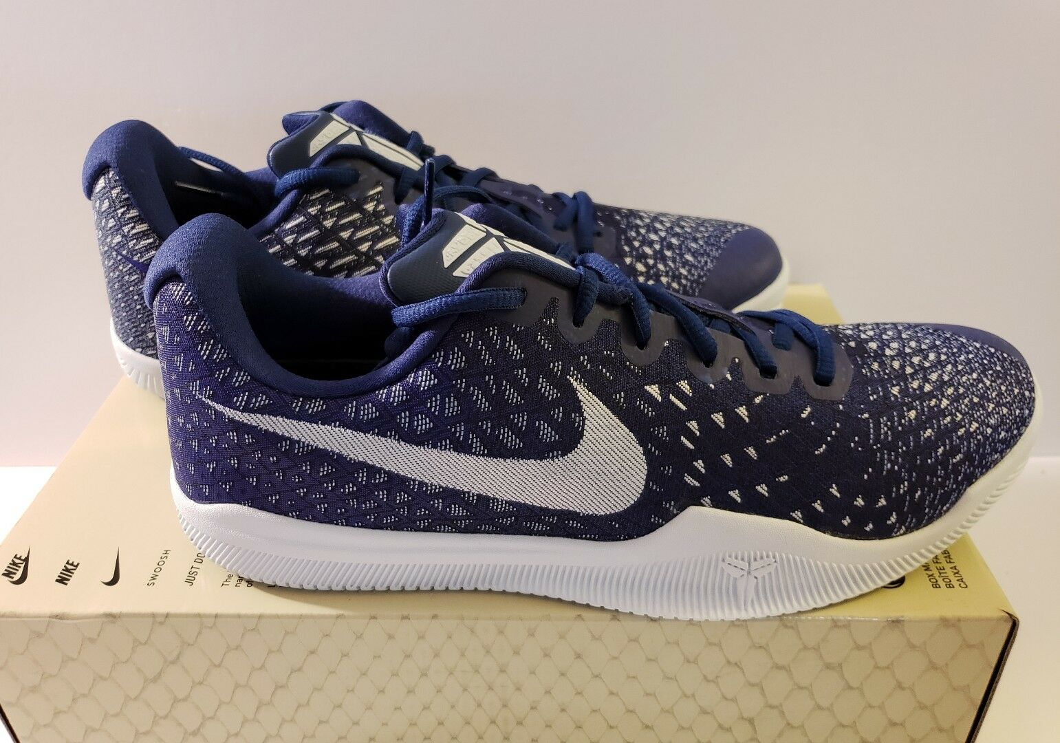 NIKE MAMBA INSTINCT Size 10 - 852473 400 blueE TINT ATHLETIC BASKETBALL NWB
