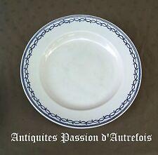 B2017543 - Plat de 36 cm en porcelaine de Tournai décor à l'anneau
