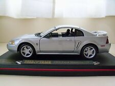 MAISTO -  ROAD & TRACK COLLECTOR'S EDITION - 1999 FORD MUSTANG GT - 1/18