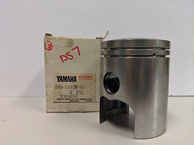 156-11635-00 NOS Yamaha Piston 1st O//S 0.25 YDS5 W7558