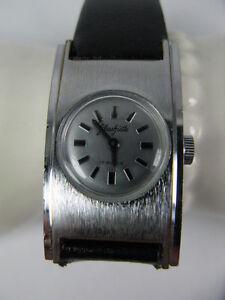 Vintage-Damen-Armbanduhr-Uhr-Glashuette-70s-Handaufzug-17-Rubis-Silber