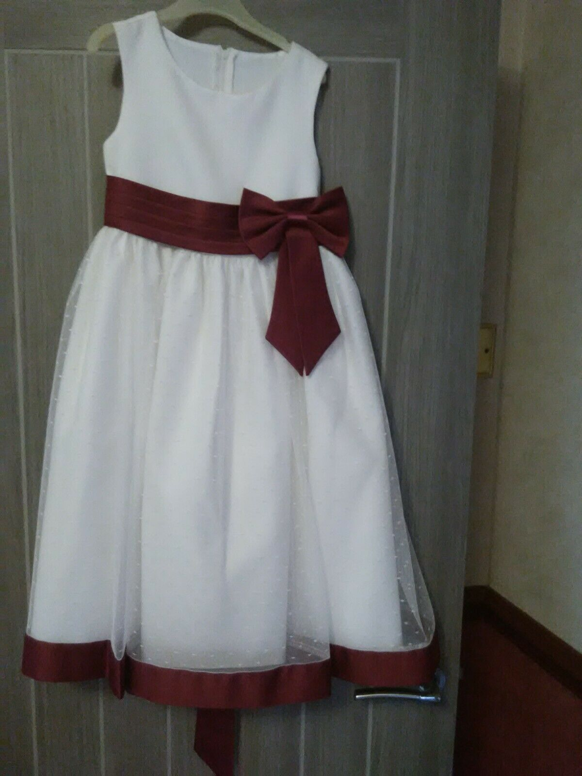Ivory Flower girl dress with wine bow age 4/5 years