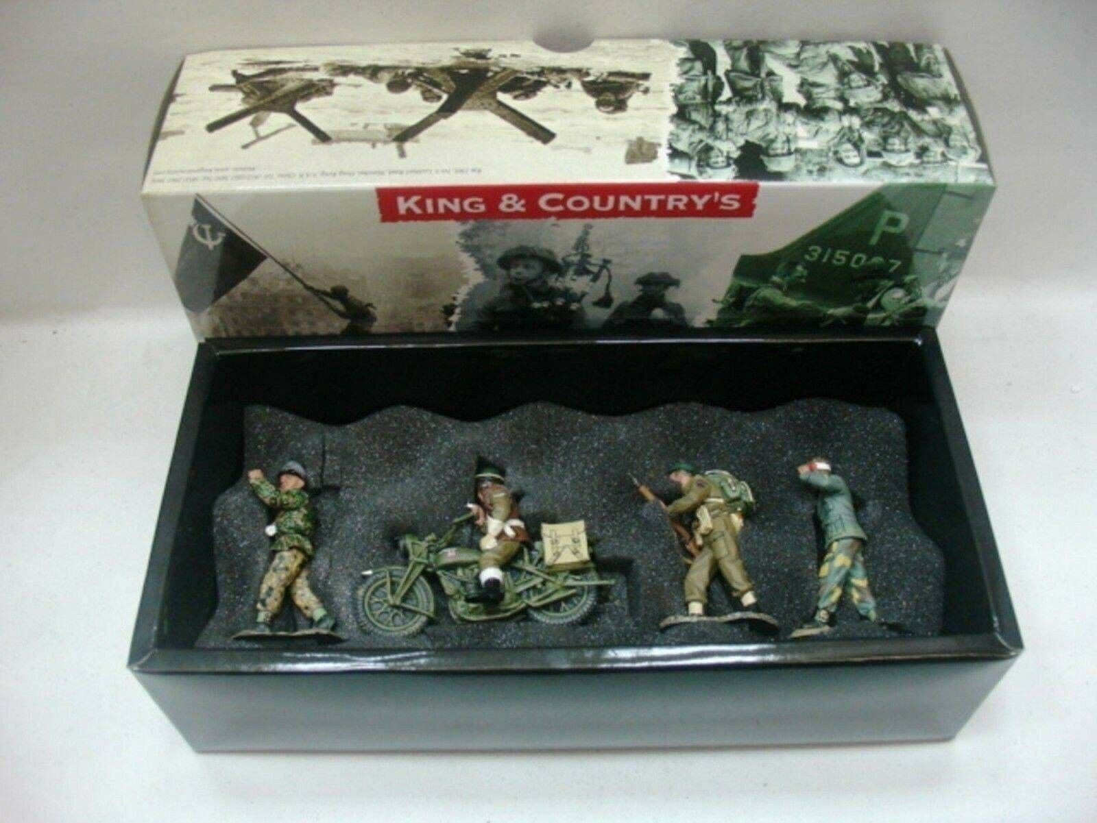 WOW EXTREMELY RARE King & Country D Day DD058 British Cdos Taking Prisoners-BNIB