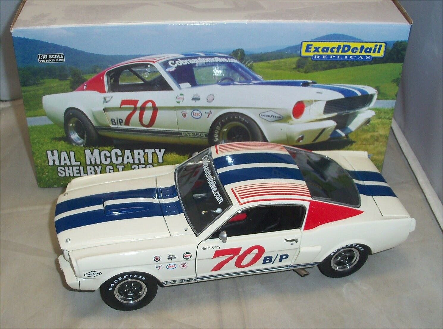1 18 EXACT DETAIL 1966 SHELBY MUSTANG GT350R RACE CAR  70 HAL MCCARTY  119 NIB