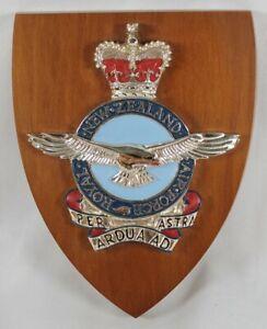 Royal-New-Zealand-Air-Force-Wood-Plaque-Crest-Per-Astra-Ardua-Ad-RNZAF-Military