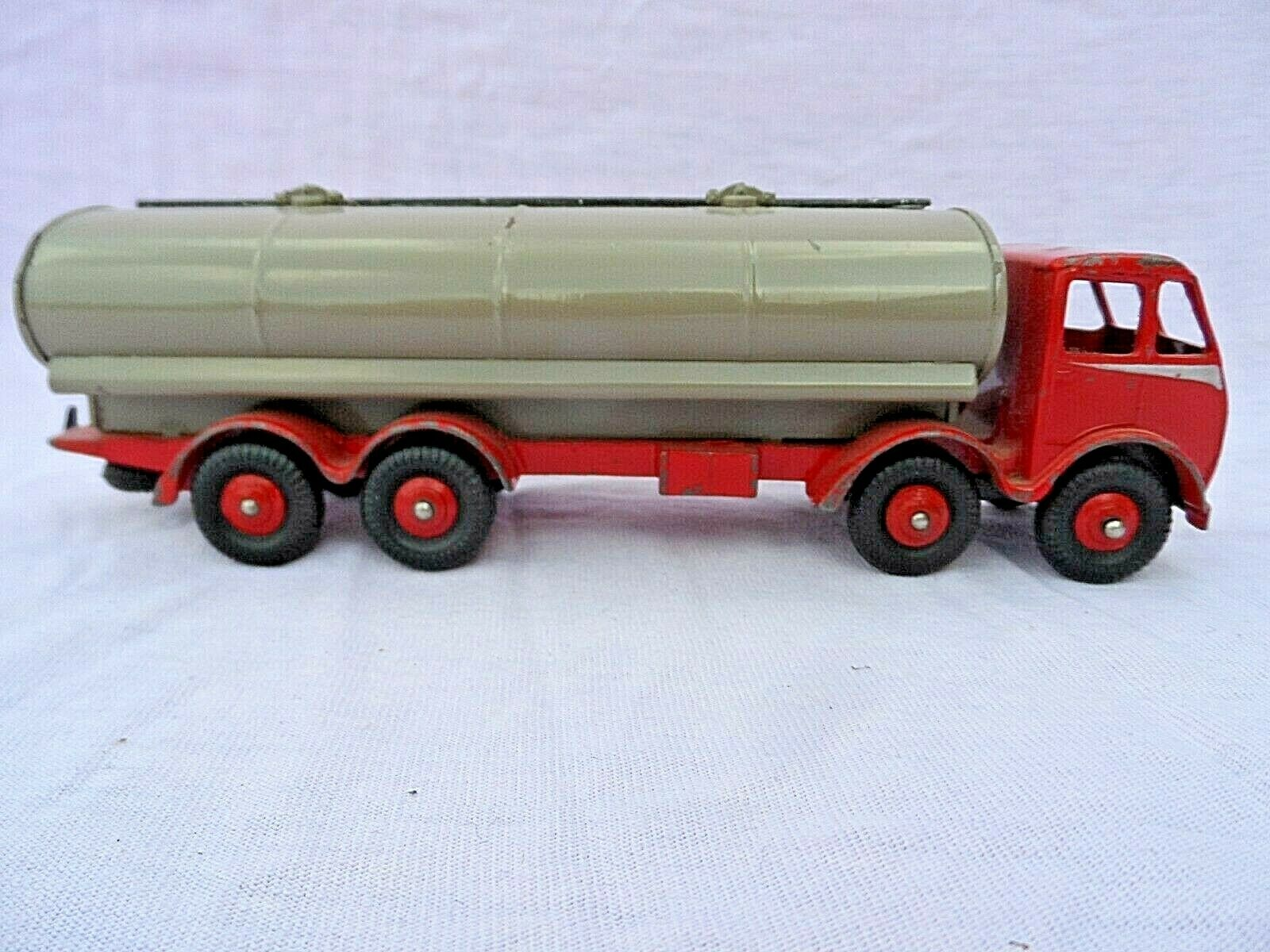 BOXED DINKY SUPERTOYS 504 FODEN DG 14 TON TANKER (1st TYPE CAB) ALL ORIGINAL VGC