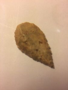 STONE-AGE-ANCIENT-NEOLITHIC-STONE-ARROWHEAD-POUCH