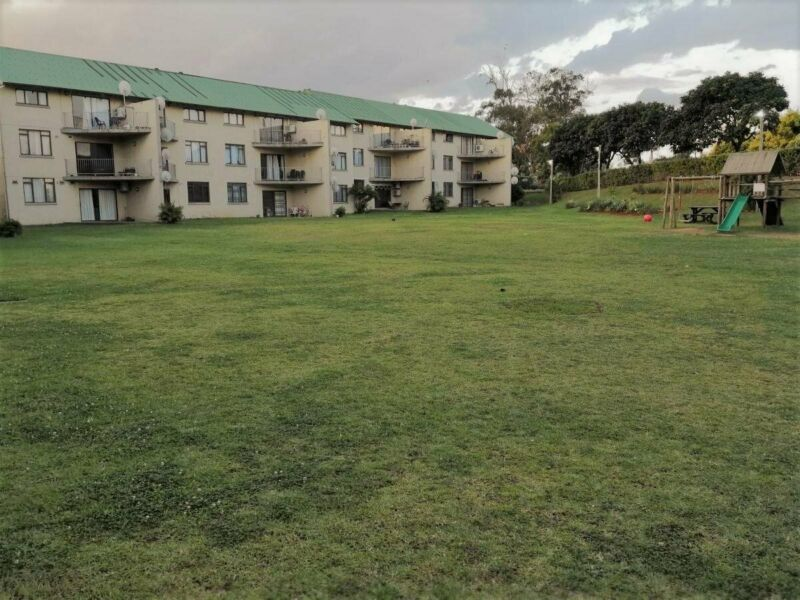 WELL APPOINTED FLAT IN MOUNT EDGECOMBE