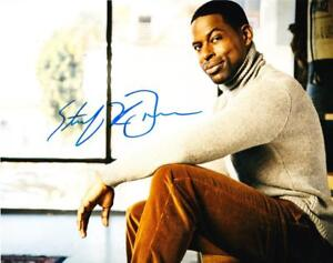 STERLING-K-BROWN-SIGNED-8X10-PHOTO-AUTHENTIC-AUTOGRAPH-THIS-IS-US-COA-B