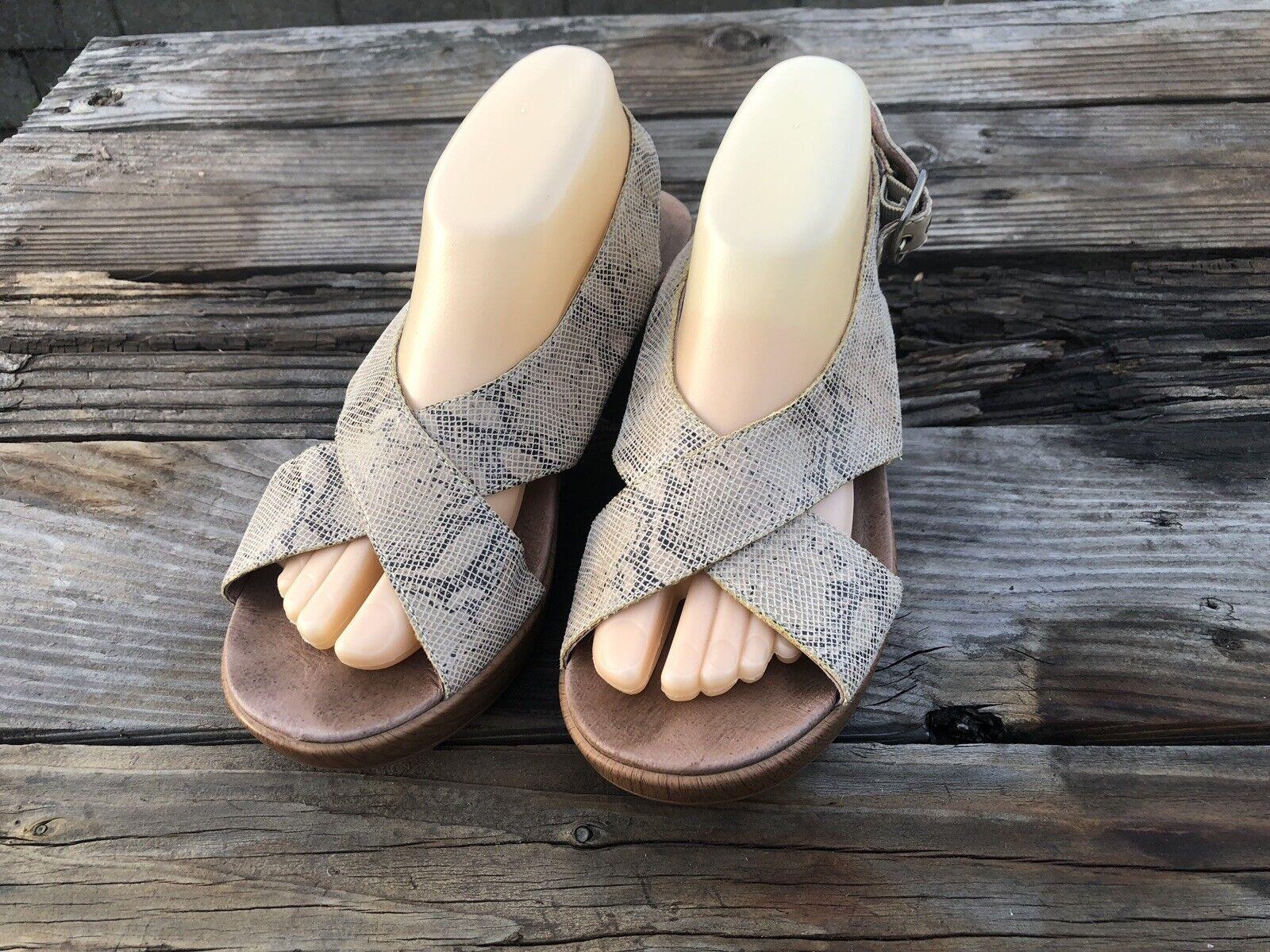 DANSKO Jacinda Size 41 Medium Platform Sandals Slingback Snakeskin Beige Comfort