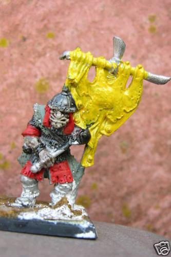 hasta un 70% de descuento Warhammer Ogro  43 Pintado, Pintado, Pintado, Portador Estandarte  calidad de primera clase
