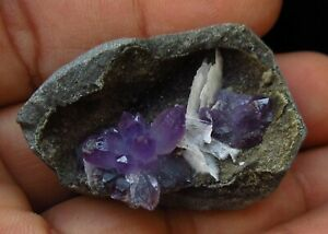 New-find-Purple-amethyst-on-chalcedony-with-baryte-India-6002