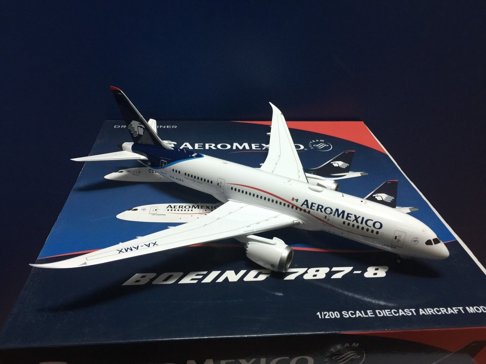 Jc Wings 200 Aeromexico am B787-800  Mid 2000s Color  1 200 Diecast