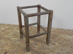 Sgabello In Legno Design : Vecchia struttura sgabello in legno masselo piccola sedia vintage