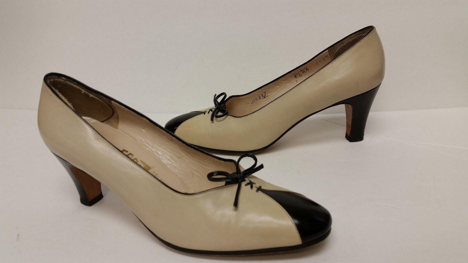 Salvatore Ferragamo Femme Noir & Blanc cassé 2 1 2  Chaussures à talon 6.5 AA Nice