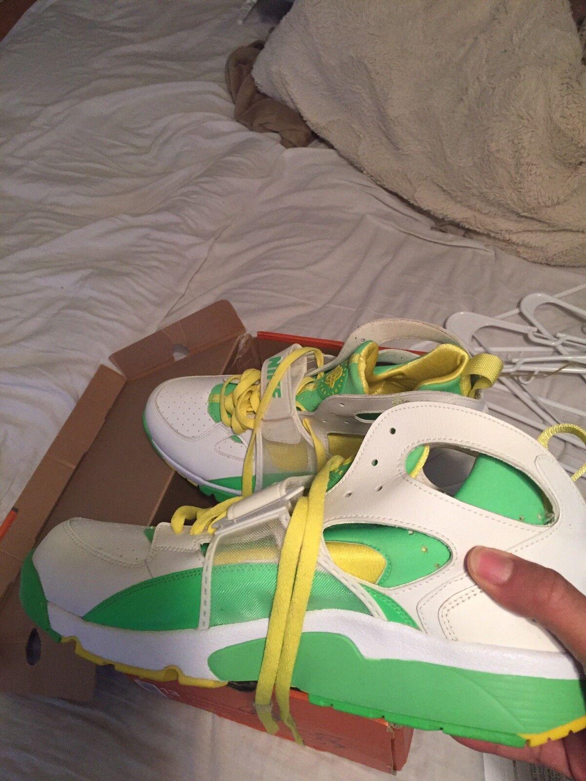 Nike air huarache run Size 13